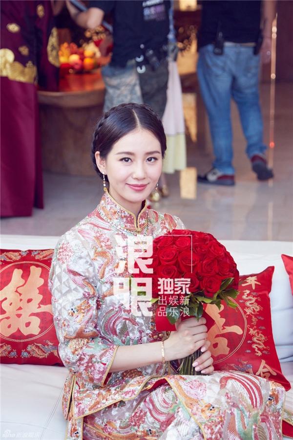 Trang phục cô dâu truyền thống trong lễ rước dâu