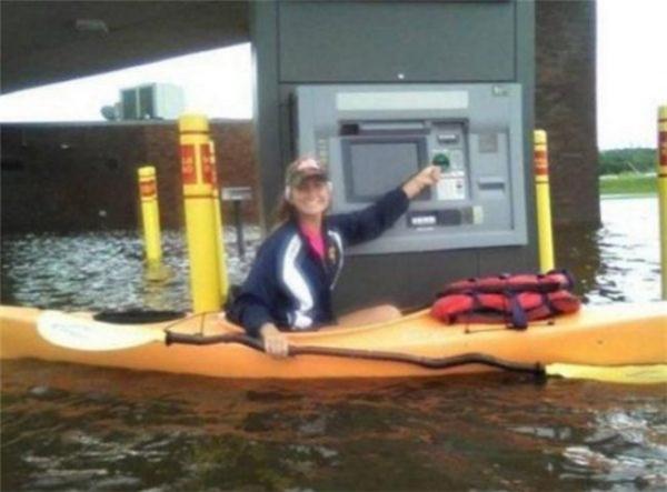 Ngân hàng quan tâm đến người dân miền sông nước.