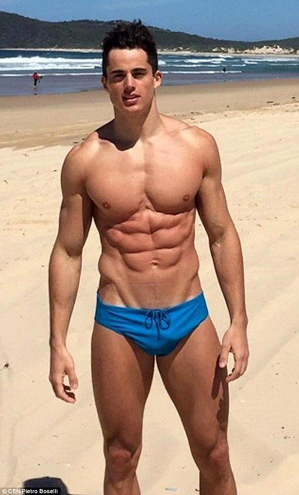 Anh thường xuyên luyện tập thể dục 2 lần/ngày và thực hiện 'chế độ ăn uống nghiêm ngặt'
