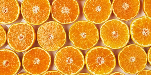 Cam chứa nhiều vitamin A, C và axit tự nhiên rất tốt cho da. (Ảnh: Internet)