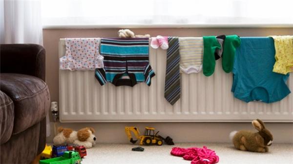 Nhiễm trùng phổi vì thói quen phơi quần áo. (Ảnh: Internet)