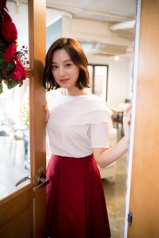 Kim Ji Won: Anh Song Joong Ki rất nghịch và thích đùa
