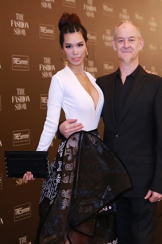Hà Anh và Phạm Hương đọ tóc fearless cực chất tại The Fashion Show