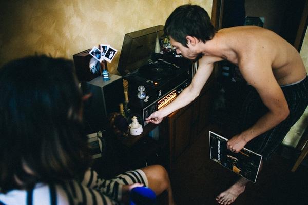Bộ ảnh yêu đương đẹp mê mệt khiến các cặp đôi sẽ thôi mô-típ diễn trước ống kính và cười