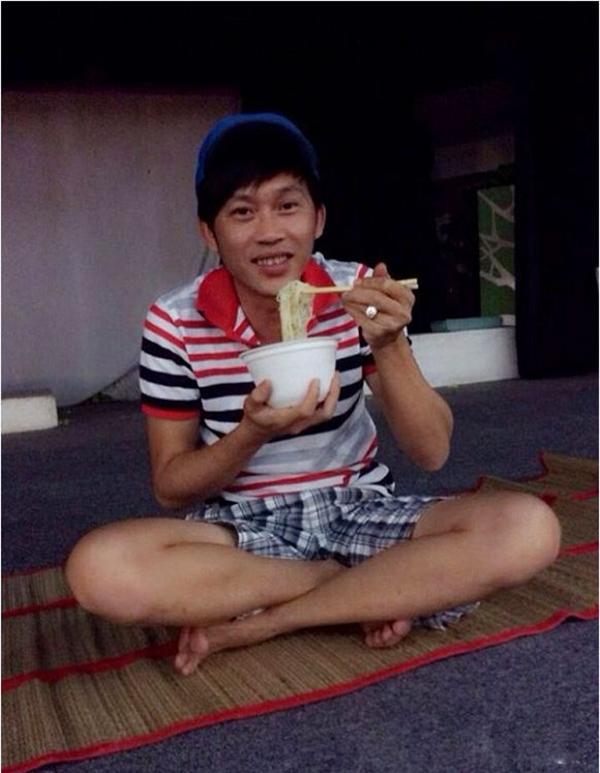 Mì gói là món ăn quen thuộc trong thực đơn của danh hài - Tin sao Viet - Tin tuc sao Viet - Scandal sao Viet - Tin tuc cua Sao - Tin cua Sao
