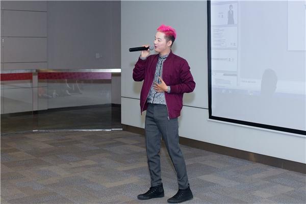 Bản thân là một nam ca sĩ, lại vừa lấn sân sang xuất bản sách, Thanh Duy là một trong số ít các ca sĩhiện nay có thừa năng lượng cùng sự tự tin để thể hiệncá tính rõ rệt và đặc biệt để công chúngluôn nhớ đến mình. - Tin sao Viet - Tin tuc sao Viet - Scandal sao Viet - Tin tuc cua Sao - Tin cua Sao