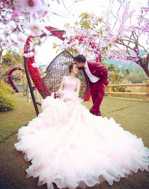 Ảnh cưới cực đẹp, cực lung linh của đôi vợ chồng trẻ (Ảnh: Internet)