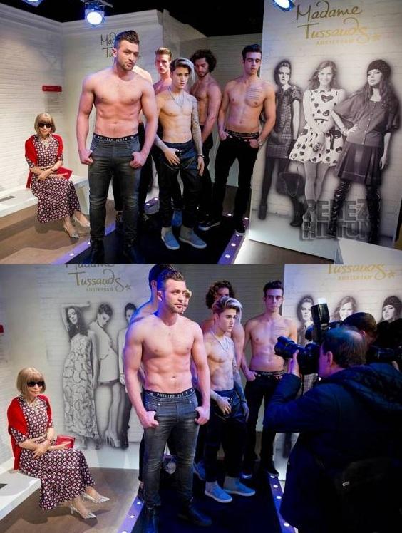 Tượng sáp của Justin Bieber đứng giữa giàn người mẫu nam Hà Lan khiến người xem không phân biệt được người thật và tượng. (Ảnh: Intenet)