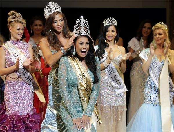 Chung kết Mrs Universe 2015 - Tin sao Viet - Tin tuc sao Viet - Scandal sao Viet - Tin tuc cua Sao - Tin cua Sao