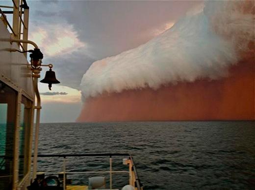 Một cơn bão bụi khổng lồ tấn công Tây Úc vào đầu năm 2013. (Ảnh: Internet)