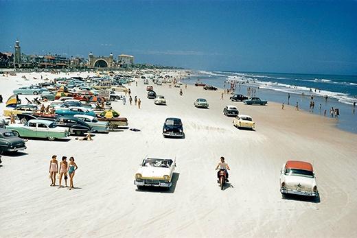 Một tấm hìnhbãi biển đẹp như mơđược chụp lại vào năm 1957 ở Florida (Mỹ). (Ảnh: Internet)