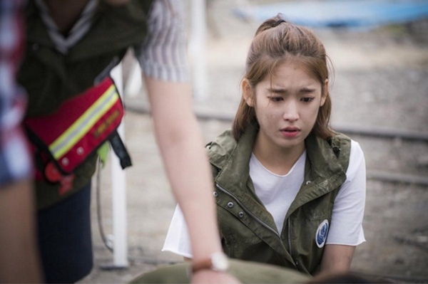 """Vẻ ngoài trong sáng """"gây thương nhớ"""" của y tá xinh đẹp Choi Min Ji do Park Hwan Hee thủ vai. (Ảnh: Internet)"""