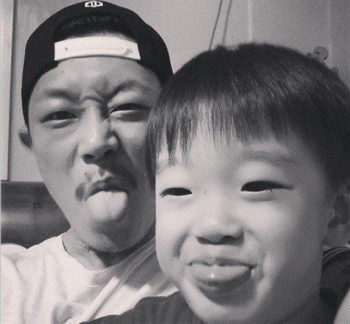 Chân dung cậu con trai 5 tuổi của Park Hwan Hee. (Ảnh: Internet)