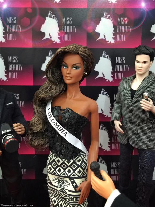 Colombia với làn da nâu bóng khoẻ khoắn. Đặc điểm này hoàn toàn trùng khớp với Á hậu 1 Hoa hậu Hoàn vũ 2015 người Colombia.