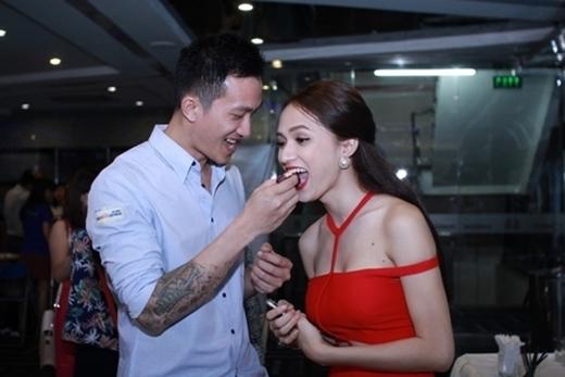 """Những hình ảnh khiến người khác phải """"ghen tị""""của cặp đôi Criss Lai và Hương Giang - Tin sao Viet - Tin tuc sao Viet - Scandal sao Viet - Tin tuc cua Sao - Tin cua Sao"""