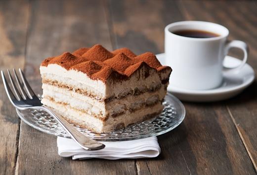 Chiếc bánh có vị thanh ngọt nhẹ nhàng, nồng nànhương cà phê Expresso đặc trưng vàrượu.(Ảnh: Internet)