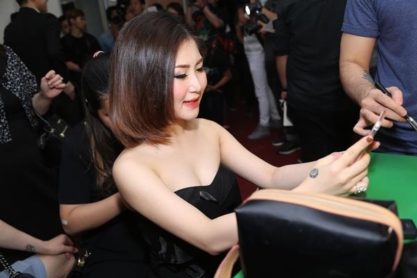 Noo nhí nhảnh tự sướng, Gil Lê đưa Chi Pu đi xem trao giải The Remix - Tin sao Viet - Tin tuc sao Viet - Scandal sao Viet - Tin tuc cua Sao - Tin cua Sao