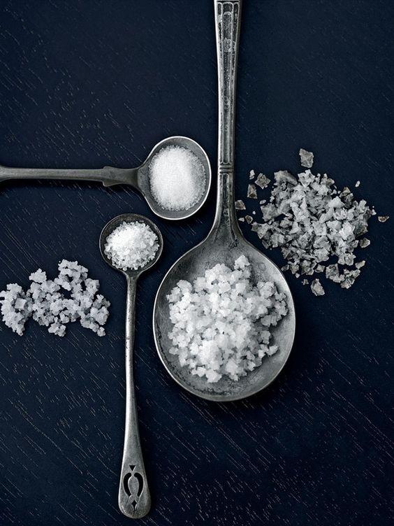 Hướng dẫn cách trị mụn và chăm sóc da hiệu quả với muối