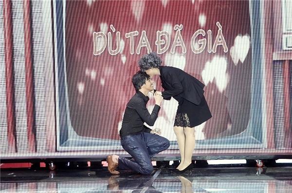 """Nụ hôn vào trán ngọt ngàođầy lãng mạn của Noo khiến các fan""""tan chảy"""". - Tin sao Viet - Tin tuc sao Viet - Scandal sao Viet - Tin tuc cua Sao - Tin cua Sao"""