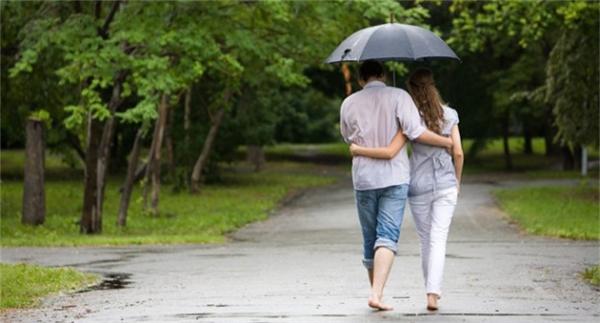 Khác biệt mười mươi giữa mối tình trẻ con và tình yêu chín chắn