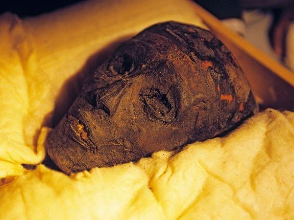 Xác ướp Vua Tutankhamen, được khai quật sau 3.000 năm. (Ảnh: National Geographic)