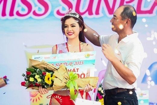 Cuộc thi đã mang đến rất nhiều cơ hội mới cho quán quân Miss Sunplay năm ngoái – cô nàng nữ sinh y khoa Nguyễn Hoàng Hồng Yến. (Ảnh: Internet)