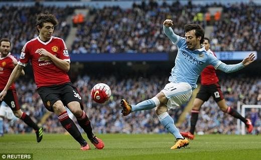 """4. David Silva (Manchester City):Từng được ví với pháp sư huyền thoại thời trung cổ Merlin nhờ sự kìdiệu đến từ đôi chân nhưng tiền vệ người Tây Ban Nha bỗng thi đấu sa sút không phanh tại giải năm nay. """"The Citizen"""" nợ Silva một lời cảm ơn vì 5 danh hiệu trong 6 mùa giải gần nhất có công không nhỏ cựu cầu thủ Valencia. Tuy nhiên ở độ tuổi 30 cùng những chấn thương dai dẳng, rất khó để """"El Mago"""" tìm lại phong độ đỉnh cao như trước kia."""
