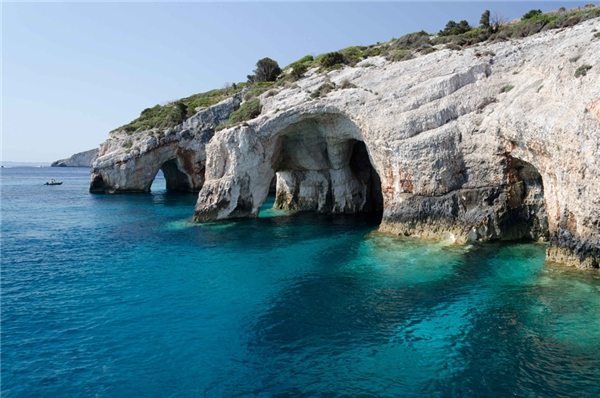Blue Caves đẹp tuyệt vời ở ngoài thực tế.
