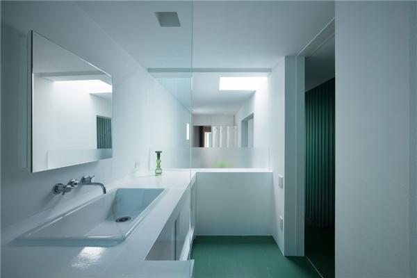 Chút sắc xanh làm điểm nhấn cho căn nhà thêm nổi bật.