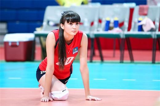 Vẻ nghiêng nước, nghiêng thành của VĐV bóng chuyền đẹp nhất châu Á