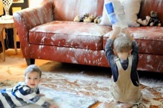 Khi nhà có 2 cậu con trai.