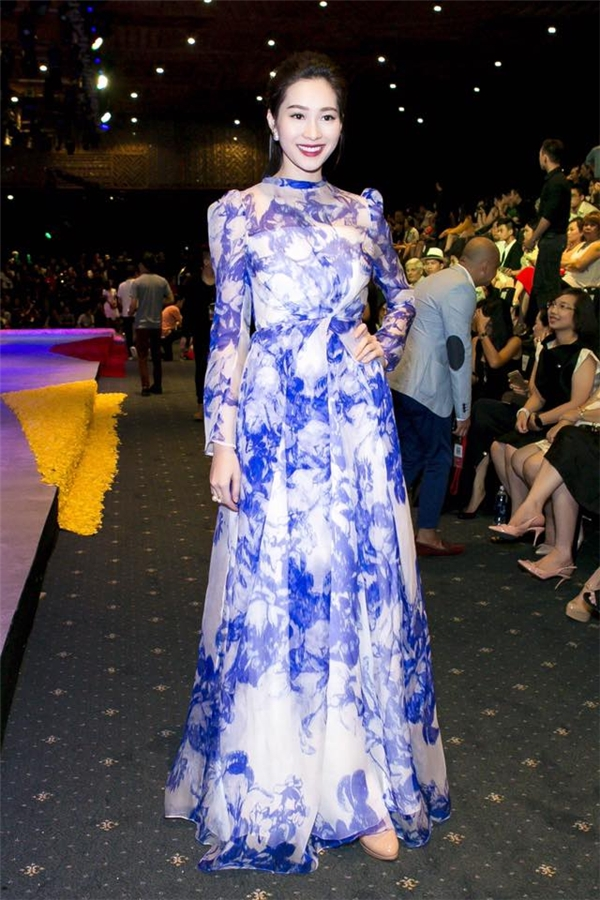 Những trang phục của Hoa hậu Việt Nam 2012 gần như luôn phù hợp với cảm quan thẩm mĩ của người Việt Nam.
