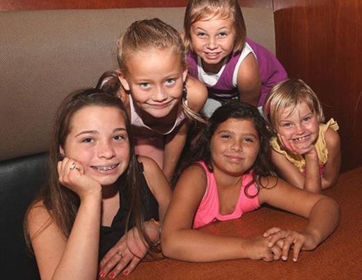 5 bé gái bị bỏng bởi nước chanh. (Ảnh: Internet)