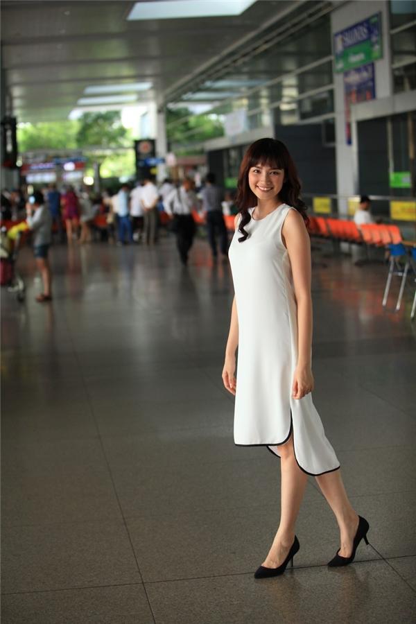 Từ một hình ảnhquê mùa, cô biến hóa trở thành một cô gái thành thịvới vẻ ngoài hiện đại. - Tin sao Viet - Tin tuc sao Viet - Scandal sao Viet - Tin tuc cua Sao - Tin cua Sao