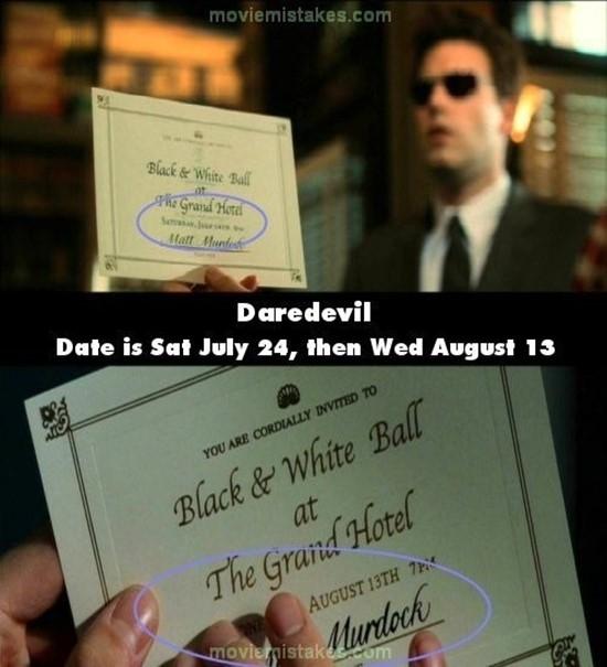 Daredevil: Ở cảnh trước, trên tấm thiệp mời ghi thời gian là 8h thứ 7, ngày 24/7. Nhưng ngay cảnh sau nó lại là 7h thứ 4, ngày 13/8.(Ảnh: Internet)