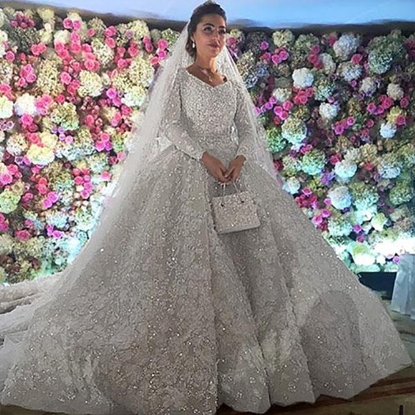 Theo lời kể của các vị khách mời, Khadija hôm đó trông không khác gì một nàng công chúa thứ thiệt. Nghẹt thở trước độ xa hoa trong đám cưới hơn 22.000 tỷ của Lọ Lem phiên bản đời thực. Ảnh: (Internet)