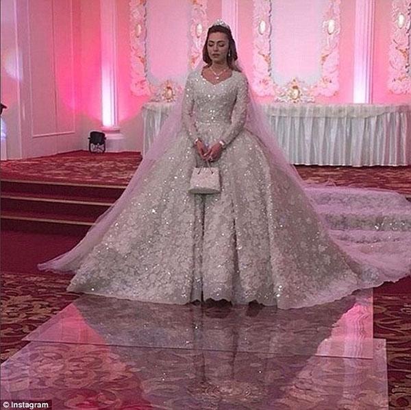 Nghẹt thở trước độ xa hoa trong đám cưới hơn 22.000 tỷ của Lọ Lem phiên bản đời thực. Ảnh: (Internet)