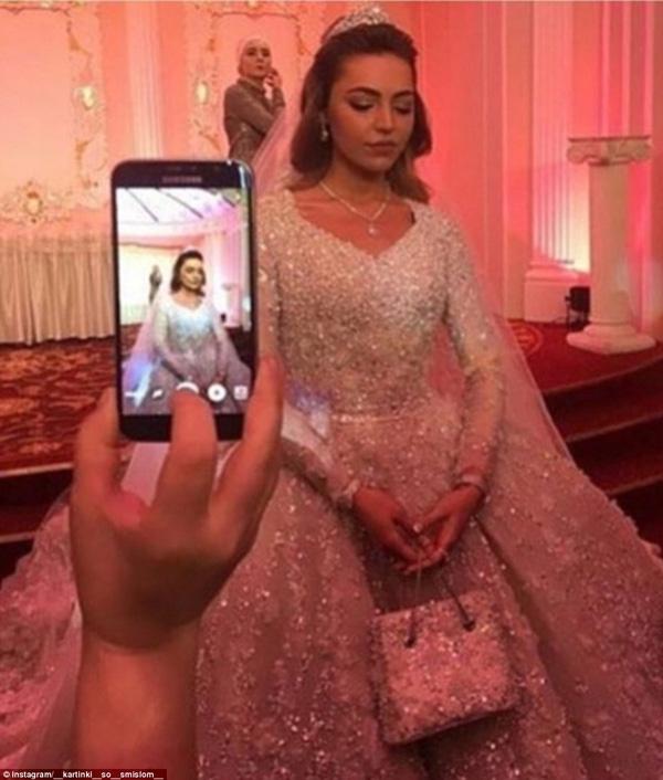 Bởi vậy, trước lễ cưới xa hoa này, nhiều người gọi cô là nàng Lọ Lem phiên bản đời thực. Ảnh: (Internet)