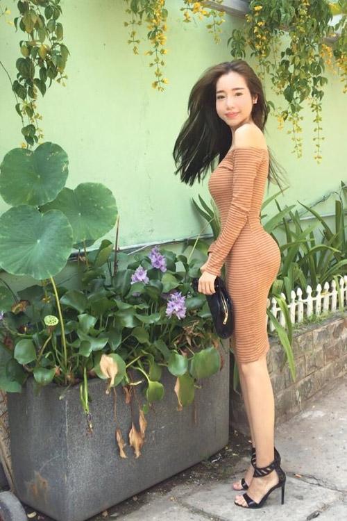 Những hình ảnh làm dấy nên làn sóng tranh cãi trên trang cá nhân của Elly Trần vào ngày hôm qua. - Tin sao Viet - Tin tuc sao Viet - Scandal sao Viet - Tin tuc cua Sao - Tin cua Sao