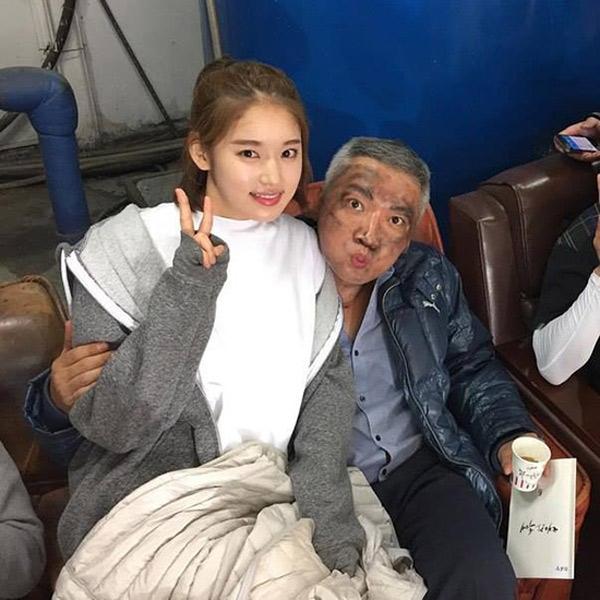 Quản lí Jin, nhân vật mang đến nhiều phiền toái và bị ghét nhất phim lại chính là người mang đến nhiều tiếng cười cho các diễn viên trong suốt quá trình ghi hình.
