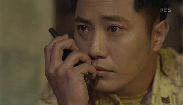 Phân cảnh Song Joong Ki cởi bỏ quân phục chạm mốc kỉ lục rating