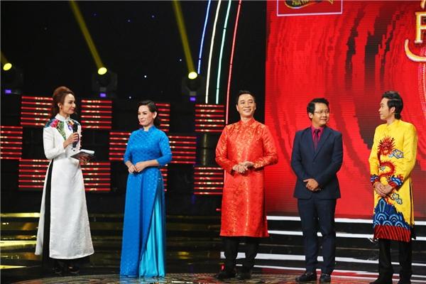 NSƯT Hoài Linh là một trong bốn vị giám khảo của chương trình Ngôi sao Phương Nam mùa thứ 2. - Tin sao Viet - Tin tuc sao Viet - Scandal sao Viet - Tin tuc cua Sao - Tin cua Sao