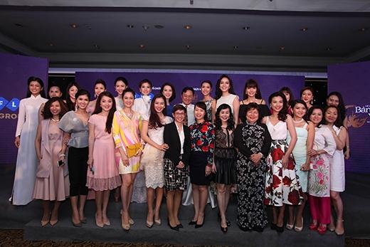 Với sự hội ngộ của những nhan sắc Việt trên toàn thế giới, Hoa hậu Bản sắc Việt toàn cầu 2016hứa hẹn sẽ là một cuộc thi hấp dẫn, kịch tính và mang đến nhiều bất ngờ cho khán giả yêu mến và dõi theo.