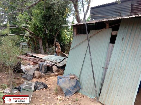 Ngôi nhà trống trước hụt sau của gia đình bà Bảy Hưởn.