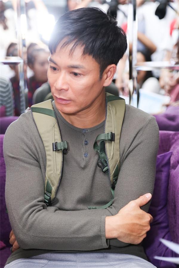 Nhiều khán giả còn nhận xét gương mặt nam diễn viên trông khắc khổ.