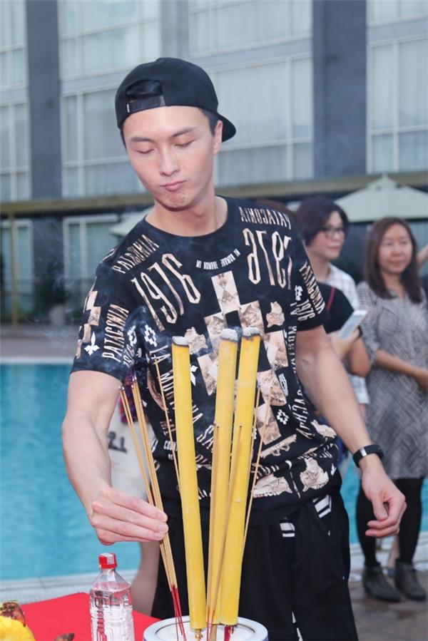 """Ngỡ ngàng với nhan sắc """"thật"""" của ngôi sao TVB Quách Tấn An"""