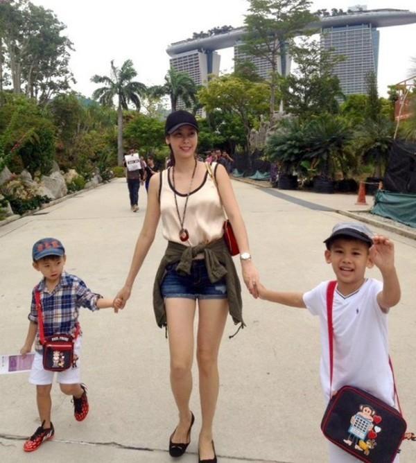 Quý tử nhà Hoa hậu Việt Nam 1991 Hà Kiều Anh từng được đặt chân đến Thái Lan, Singapore, Mỹvà Mexico cùng mẹ. - Tin sao Viet - Tin tuc sao Viet - Scandal sao Viet - Tin tuc cua Sao - Tin cua Sao