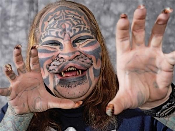 Dennis Avner, một cựu Hải quân Hoa Kỳ đã được phẫu thuật toàn bộ dung mạo. (Ảnh: Internet)