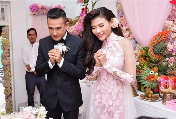 Cặp đôi diễn viên đã chính thức đính hôn từ tháng 10/2015. Hôn lễ của Lương Thế Thành - Thúy Diễm sẽ được tổ chức vào ngày 14/04 sắp tới tại một khách sạn chuẩn 5 sao và sang trọng bậc nhất TPHCM. - Tin sao Viet - Tin tuc sao Viet - Scandal sao Viet - Tin tuc cua Sao - Tin cua Sao