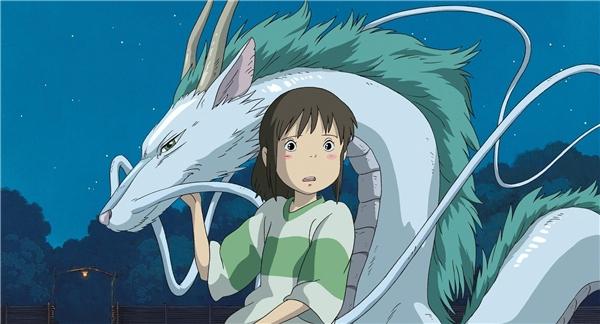Hành trình của Chihiro Ogino trong thế giới kì lạcùng người bạn mới Haku.(Ảnh: Internet)